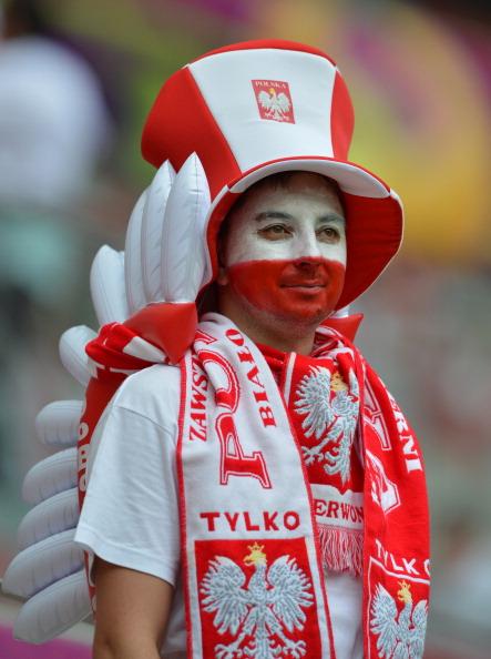 Польський вболівальник на матчі Польщі проти Росії 12 червня 2012 року, Національний стадіон у Варшаві. Фото: GABRIEL BOUYS/AFP/GettyImages