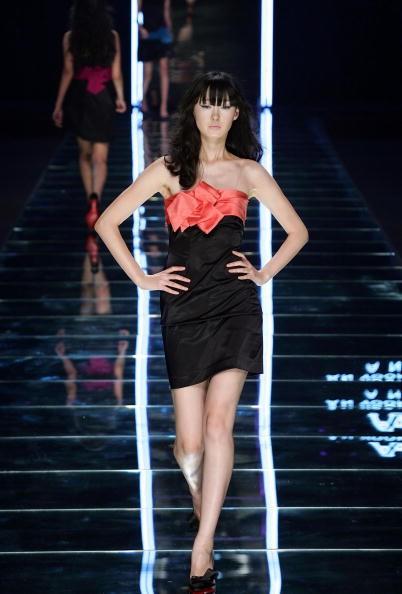 Коллекция от Южнокорейского дизайнера An Yoon-jung. Фото: Chung Sung-Jun/Getty Image
