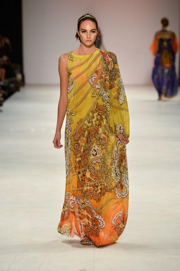 Летние легкие платья от Aanchal Chanda. Фото: Stefan Gosatti/Getty Images