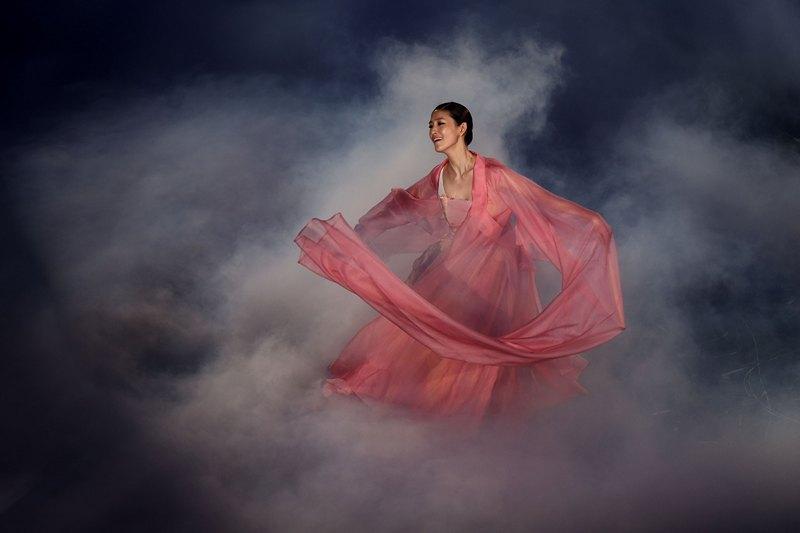 Інчхон, Південна Корея 29 червня. Танцівниця відкриває 4-ті Азійські ігри з бойових мистецтв. Фото: Chris McGrath/Getty Images