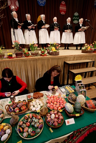 Великдень. Традиції прикрашання яєць. Фото: Sean Gallup/Getty Images