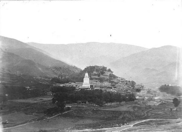 Белая пагода. Горы Утайшань. Фото: William Purdom