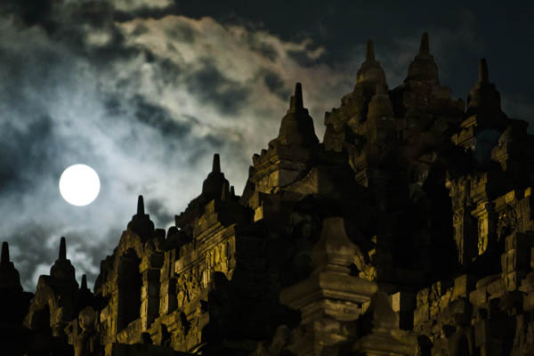 Індонезія. Весак. Фото: Ulet Ifansasti/Getty Images