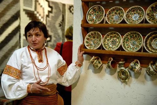 Мастер художественной керамики Оксана Кабин-Вербивская. Фото: Великая Эпоха