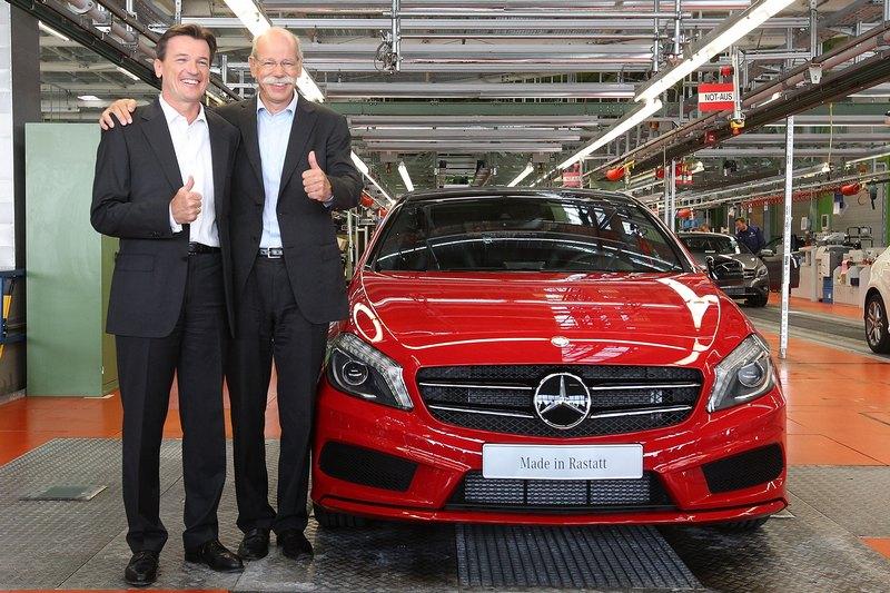 Раштатт, Німеччина, 16 липня. На заводі «Даймлер» розпочато виробництво автомобіля «Мерседес» A-класу. Фото: Thomas Niedermueller/Getty Images