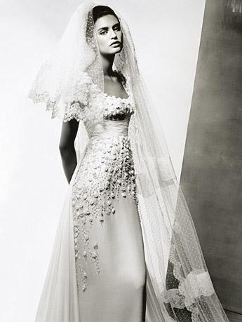 Cвадьбные наряды от Valentino. Фото с efu.com.cn