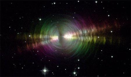 3 апреля 2003 г. Туманность Яйцо (RAFGL 2688). Фото: NASA and The Hubble Heritage Team (STScI/AURA)
