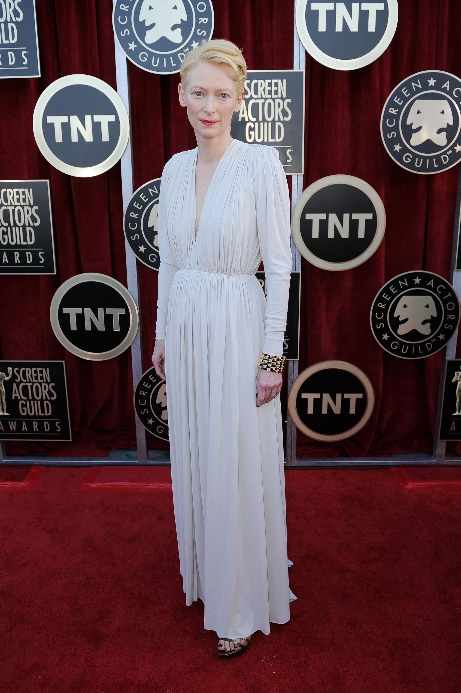 Тильда Суинтон в платье от Lanvin. Фото: Kevork Djansezian/Getty Images