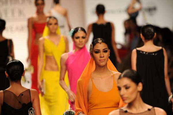 Индийская неделя моды в Мумбае. Фото: PAL PILLAI/AFP/Getty Images