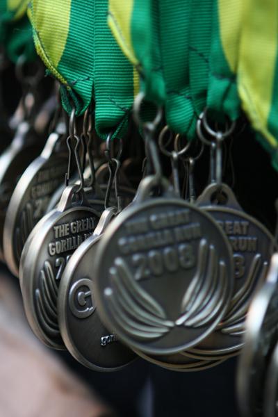Пам'ятні нагороди учасникам «Великого забігу горил» у Лондоні. Фото: greatgorillarun.org