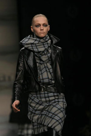 The Belstaff fashion show/женская коллекция осень-зима 2007. Фото: Giuseppe Cacace/Getty Images