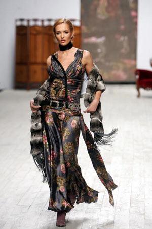 Колекція робіт відомого українського модельєра Роксолани Богутської. Фото: SERGEI SUPINSKY/AFP/Getty Images