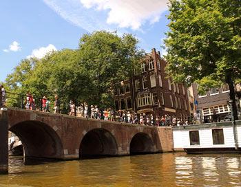 Амстердам з борту катера. Фото: Ірина Рудська / The Epoch Times