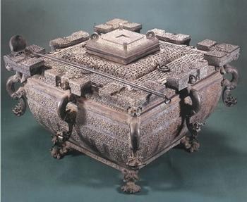 Холодильник, найденный в 1978 году в провинции Хубэй во время раскопок гробницы эпохи Воюющих царств. Фото с epochtimes.com