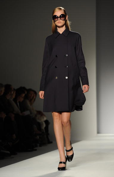 Презентация коллекции Max Mara Весна / Лето 2011 на Неделе моды в Милане. Фото Tullio M. Puglia/Getty Images