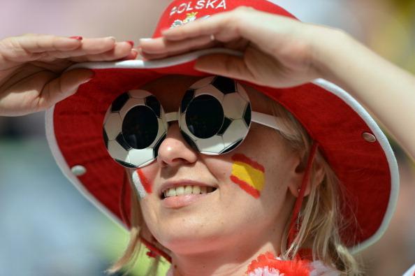 Футбольный болельщик сборной Испании 10 июня 2012 года на Арене Гданьск. Фото: GABRIEL BOUYS/AFP/GettyImages