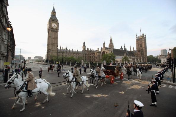 Її Величність Королева Єлизавета II святкує 60-ту річницю свого сходження на престол. Лондон, Англія. 2 червня 2012. Фото: Oli Scarff/Getty Images