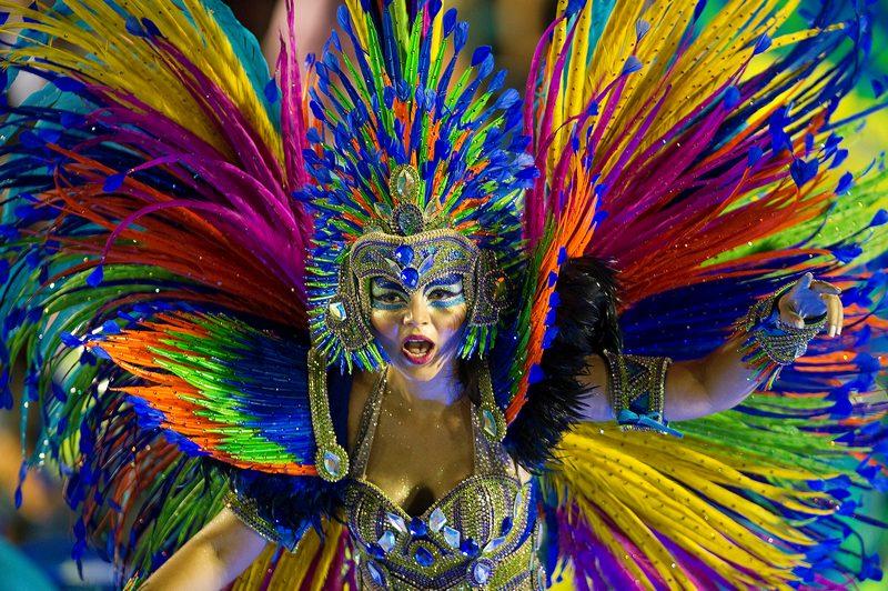 Рио-де-Жанейро, Бразилия, 11 февраля. В столице страны проходит традиционный карнавал. Фото: ANTONIO SCORZA/AFP/Getty Images