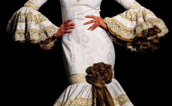 Мода в стиле фламенко на Flamenco Fashion Show. Фото: CRISTINA QUICLER/AFP/Getty Images