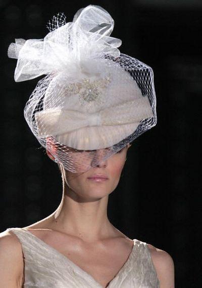 Показ свадебных платьев на неделе моды в Барселоне. Фото: JOSEP LAGO/AFP/Getty Images