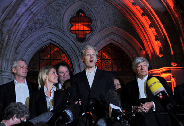 Джуліан Ассанж звільнений під заставу в 240 тисяч фунтів стерлінгів. Фото: /AFP/Getty Images