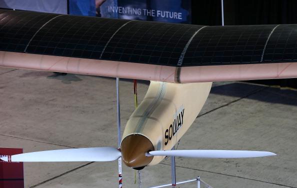 Самолёт на солнечных батареях пролетел больше 1500 км. Фото: Justin Sullivan/Getty Images