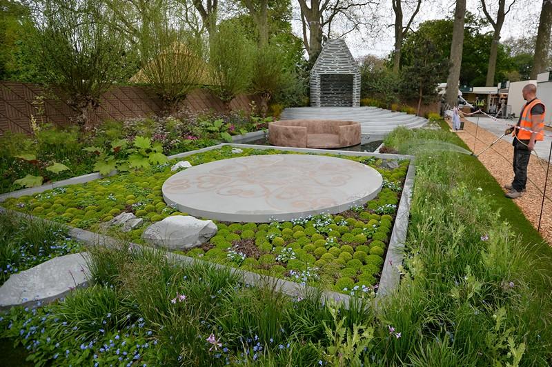 Лондон, Англія, 19 травня. Королівське садівниче товариство готується до проведення 100-ї виставки квітів у Челсі. Фото: BEN STANSALL/AFP/Getty Images
