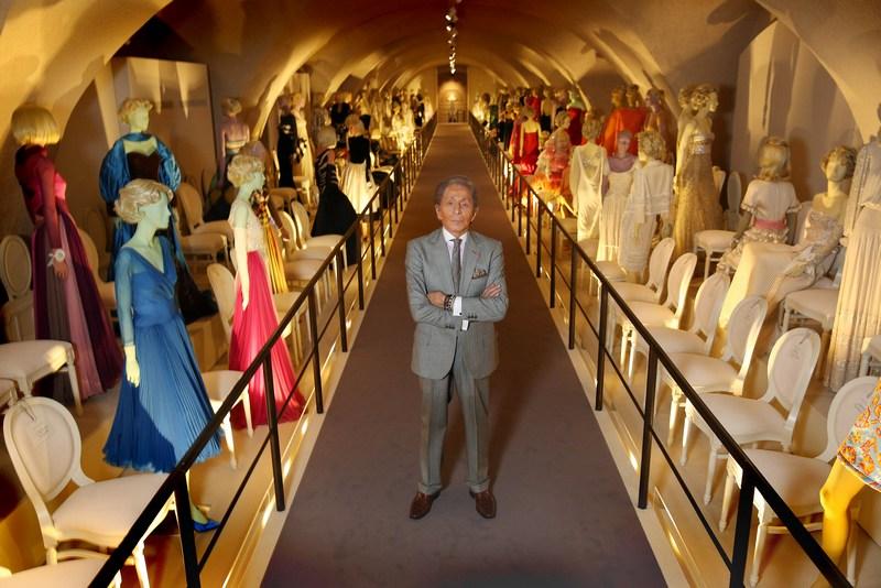 Лондон, Англія, 28листопада. У Сомерсет-хаусі відкривається виставка італійського дизайнера Валентино Гаравані «Валентино: майстер високої моди». Фото: Peter Macdiarmid/Getty Images for Somerset House