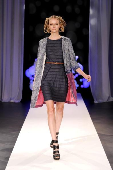 Дизайнерська колекція Bensoni Весна-2011 на Тижні моди Mercedes-benz в Нью-Йорку. Фото: Bryan Bedder/getty Images for IMG