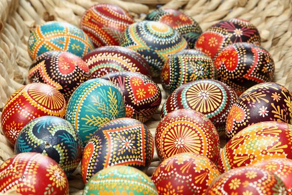 Великдень. Традиції прикрашання яєць. Фото: Andreas Rentz/Getty Images