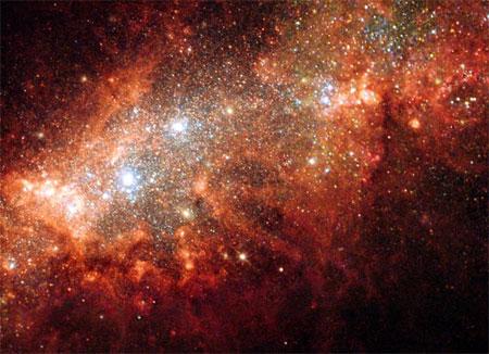 3 лютого 2004 р. Вибух наднової у сусідній до Чумацького Шляху карликовій галактиці NGC 1569. У цій галактиці утворюється велика кількість нових зірок. Фото: ESA, NASA and P. Anders (Gottingen University Galaxy Evolution Group, Germany