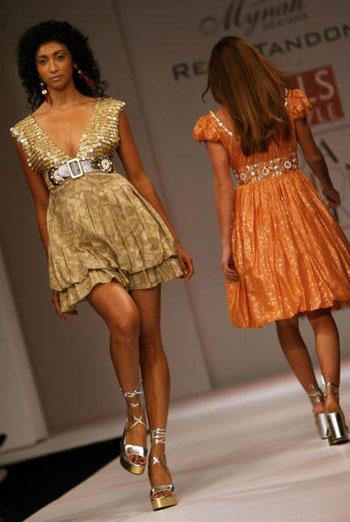 Неделя моды Wills India Fashion Week, прошедшая в индийском Нью-Дели. Фото: MANPREET ROMANA/AFP/Getty Images