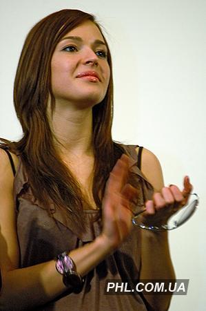 Актриса Агнія Дітковськіте під час презентації стрічки «Спека» в Києві 23 грудня 2006 р. Фото: http://phl.com.ua