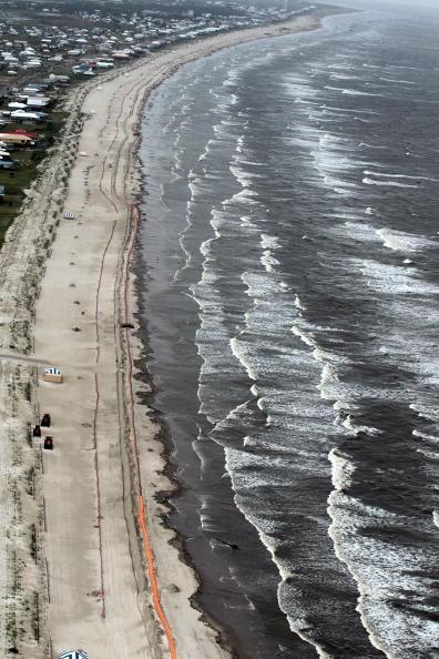 Тропический ураган «Алекс» достигает побережья Мексиканского Залива. Фоторепортаж. Фото: NOAA via Getty Images