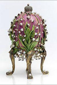 "Пасхальное яйцо Фаберже ""Ландыши"". Фото с сайта fabergeimperialeastereggs.ru"