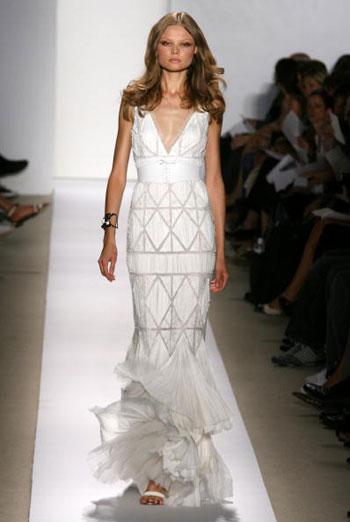 Коллекция сезона весна-2008 от J Mendel во второй день Недели моды Mercedes-Benz Fashion Week, проходившей в Нью-Йорке. Фото: Frazer Harrison/Getty Images for IMG