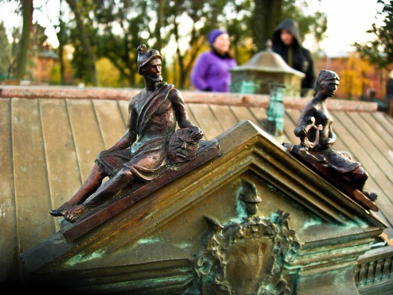 Фрагмент скульптурных украшений Зимнего дворца. Фото: Алла Лавриненко/The Epoch Times Украина
