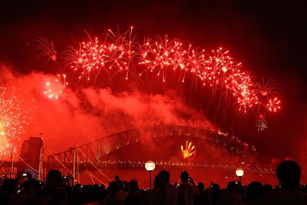 Сідней, Австралія. Щороку 31 грудня рівно опівночі тисячі феєрверків висвітлюють небо над Sydney Harbour. Фото: Jeremy Ng / Getty Images