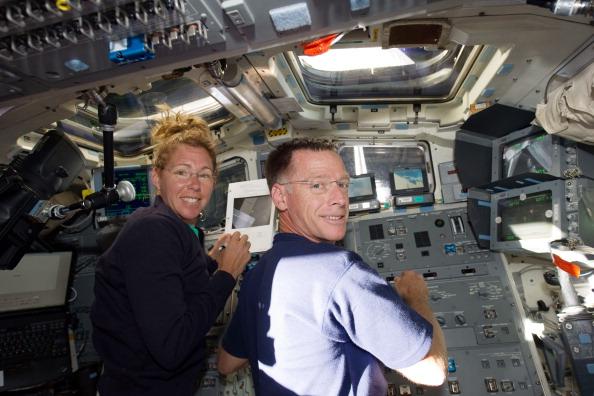 Астронавты Кристофер Фергюсон и Сандра Магнус. Фото: NASA via Getty Images