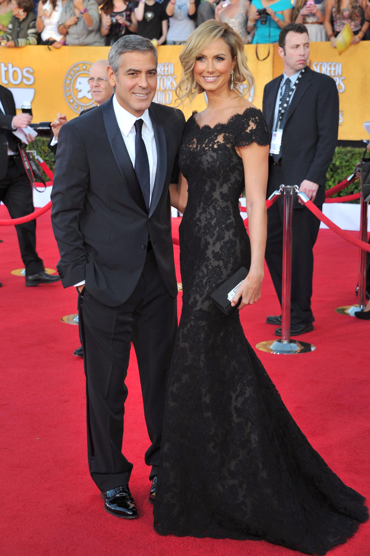 Подруга Джорджа Клуні — Стейсі Кеблер — у чорній мереживній сукні від Marchesa. Фото: Alberto E. Rodriguez/Getty Images