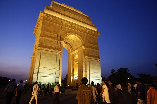 Ворота Индии (Нью-Дели) - монумент в память об индийских солдатах, погибших в англо-афганских войнах и в годы Первой мировой войны. Фото: Matt King/Getty Images