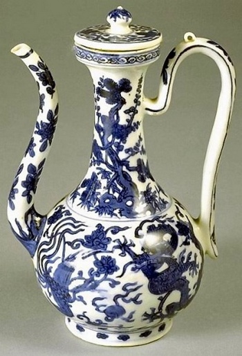 Изображения драконов на предметах утвари Древнего Китая. Фото с kanzhongguo.com