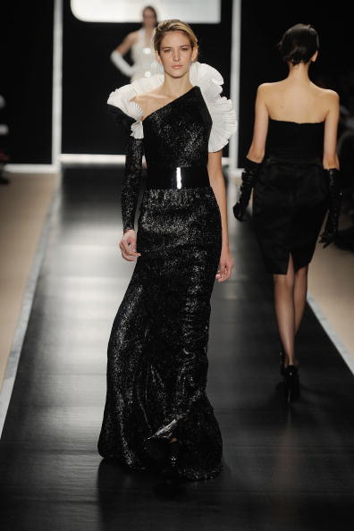 Коллекция Georges Chakra на неделе высокой моды Mercedes-Benz в Нью-ЙоркеФото: Frazer Harrison/Getty Images