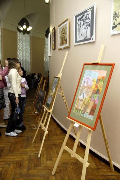 Конкурс детского рисунка в рамках фестиваля Одаренные дети Украины в Киеве 28 мая 2008 года. Фото: The Epoch Times