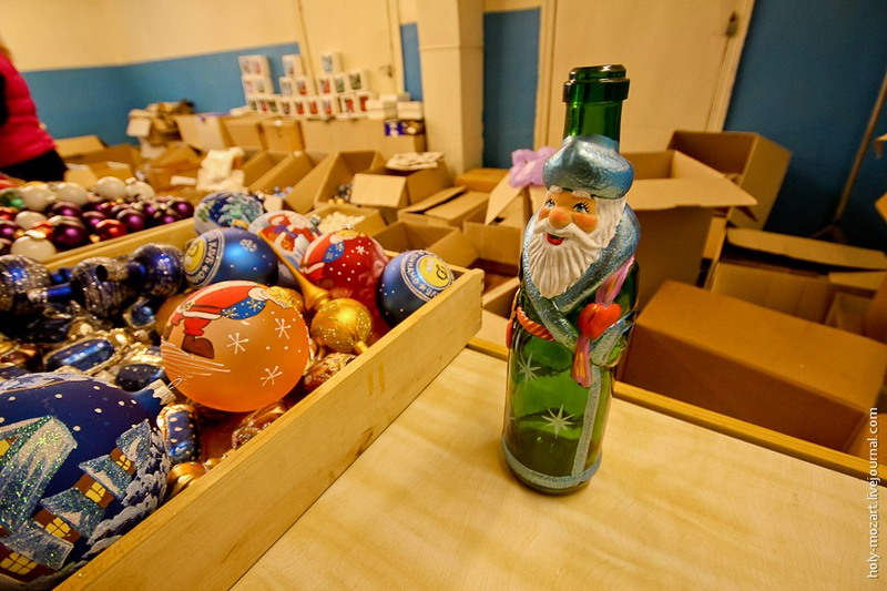 И такие бутылки здесь продают. Фото: holy-mozart.livejournal.com