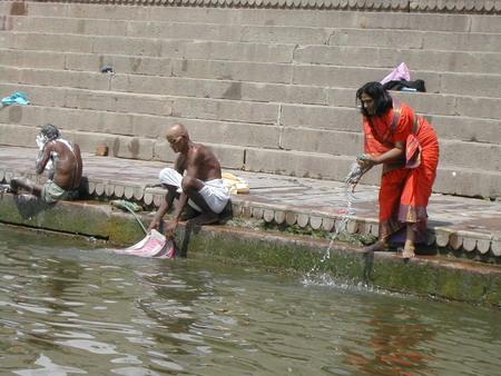 Самая священная и самая грязная в мире река Ганг. Фото: Семена Павлюка