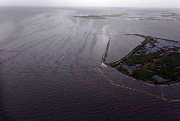 Тропічний буревій «Алекс» вирує на південно-заході Мексиканської затоки. Фото: NOAA via Getty Images