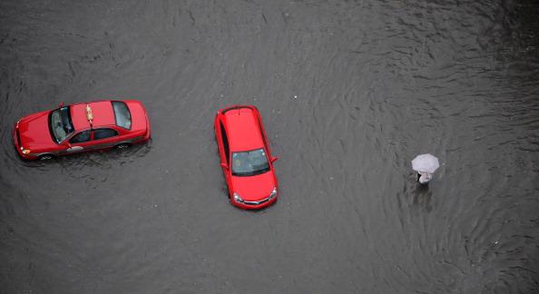 Ливневые дожди затопили город Нанкин. Фото: ChinaFotoPress/Getty Images
