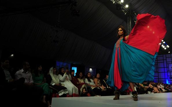 Пакистанская неделя моды. Фото:ASIF HASSAN/AFP/Getty Images