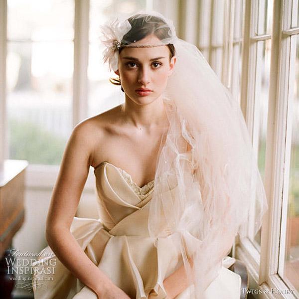 Весільні аксесуари від Twigs & Honey. Фото: weddinginspirasi.com
